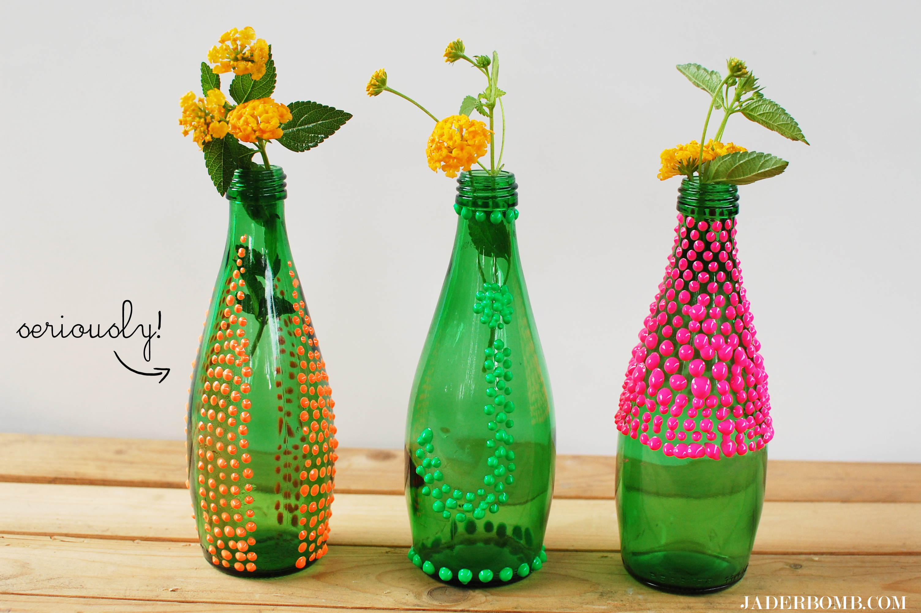 Puffy paint vases diy jaderbomb for Crafts to make with glass jars