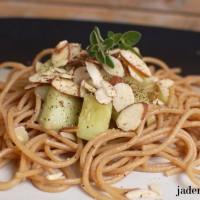 cucumber-pasta-salad-jaderbomb