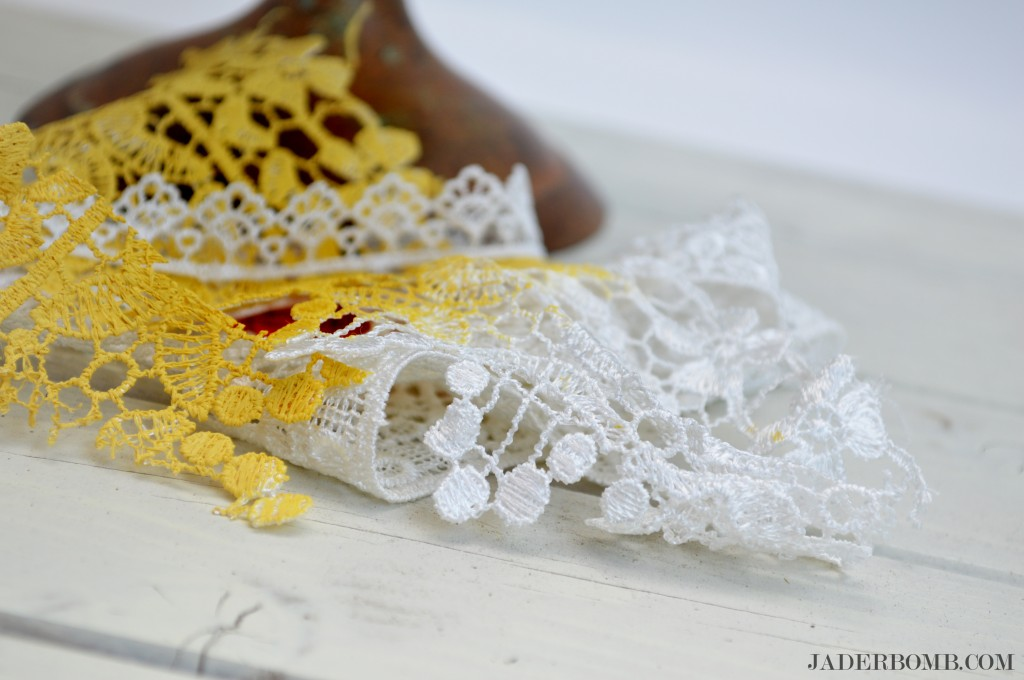 lamp-lace-painted