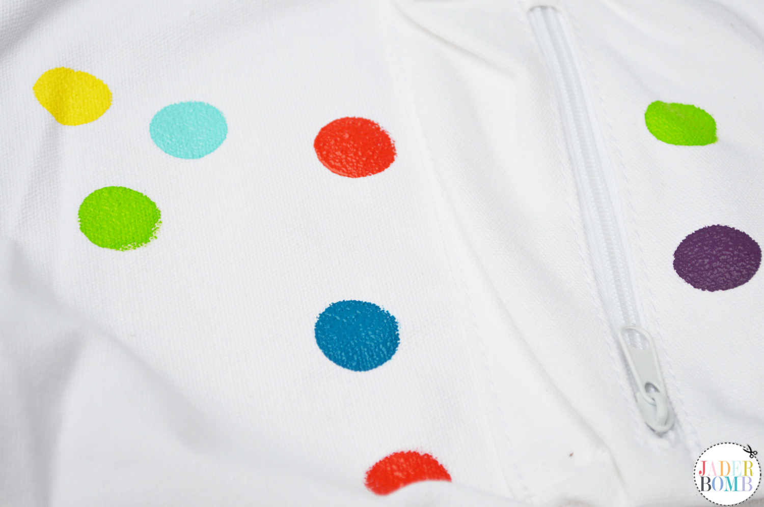 how to paint polka dots
