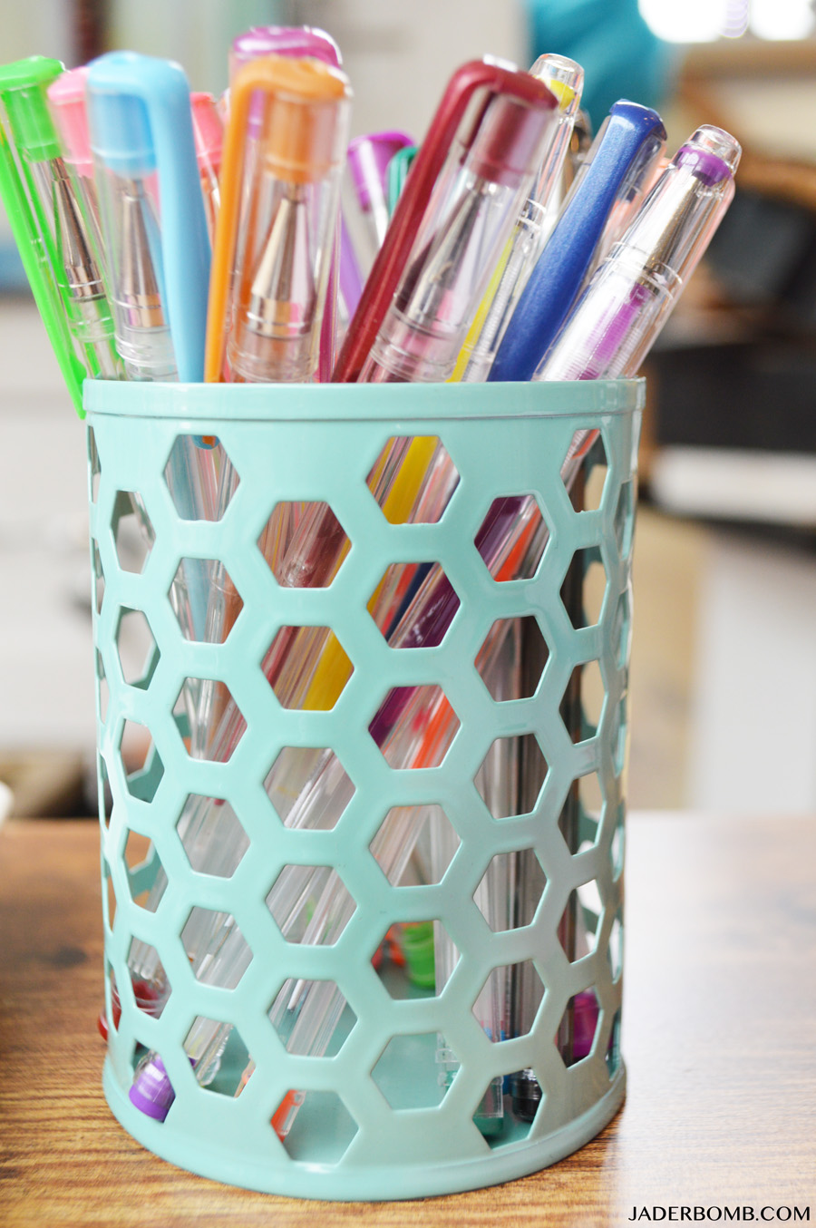 how to organize pens